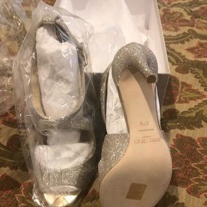 Jimmy Choo and kleinfeld rob